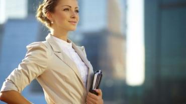 Nő versus szakember – Hogyan öltözzünk az állásinterjúra!
